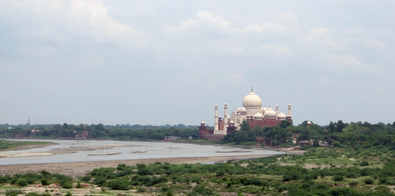 Taj_Mahal_from_Red_Fort-1