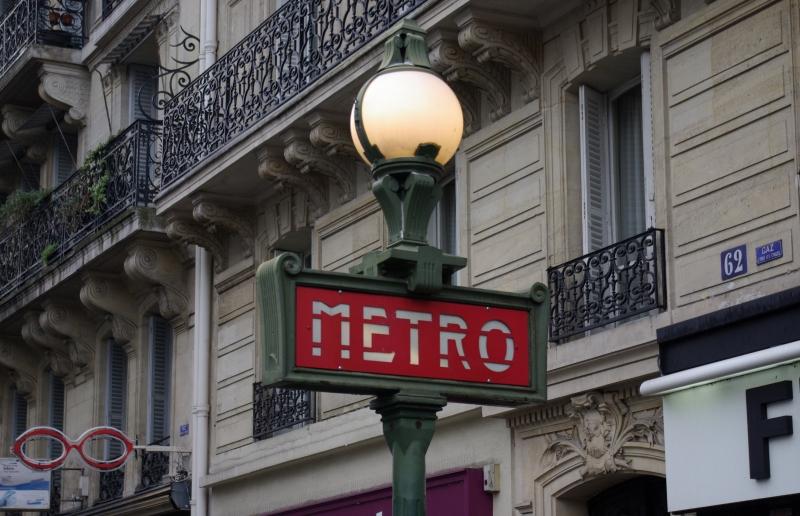 Paris_Metro_Maubert_-_Mutualité_003