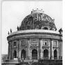 Bundesarchiv_Bild_183-10899-0010,_Berlin,_Bodemuseum,_Monbijoubrücke
