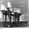 Bundesarchiv_Bild_183-1986-1031-035,_Berlin,_Alexanderplatz,_Brunnen_der_Völkerfreundschaft