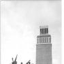 Bundesarchiv Bild 183-58959-0002, Gedenkstätte Buchenwald, Mahnmal, Glockenturm