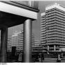 Bundesarchiv Bild 183-K1028-0304, Berlin, Alexanderplatz, Hochhaus, Touristikzentrum