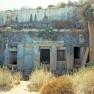 Necropoli, tomba scavata nella roccia
