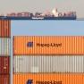 Containerschiff und Container der Hapag-Lloyd